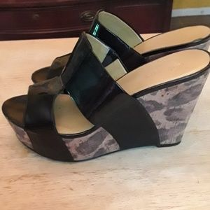 Nine west black and cheetah print wedges